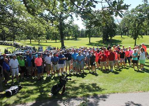 group photo at the 2018 CentraCare Foundation golf scramble